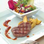 Kakas Étterem sertéshúsból készült